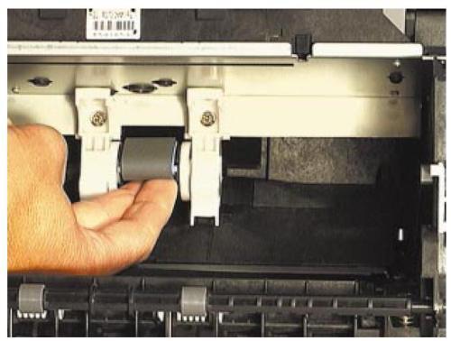 Hp 5200 застревает бумага при выходе